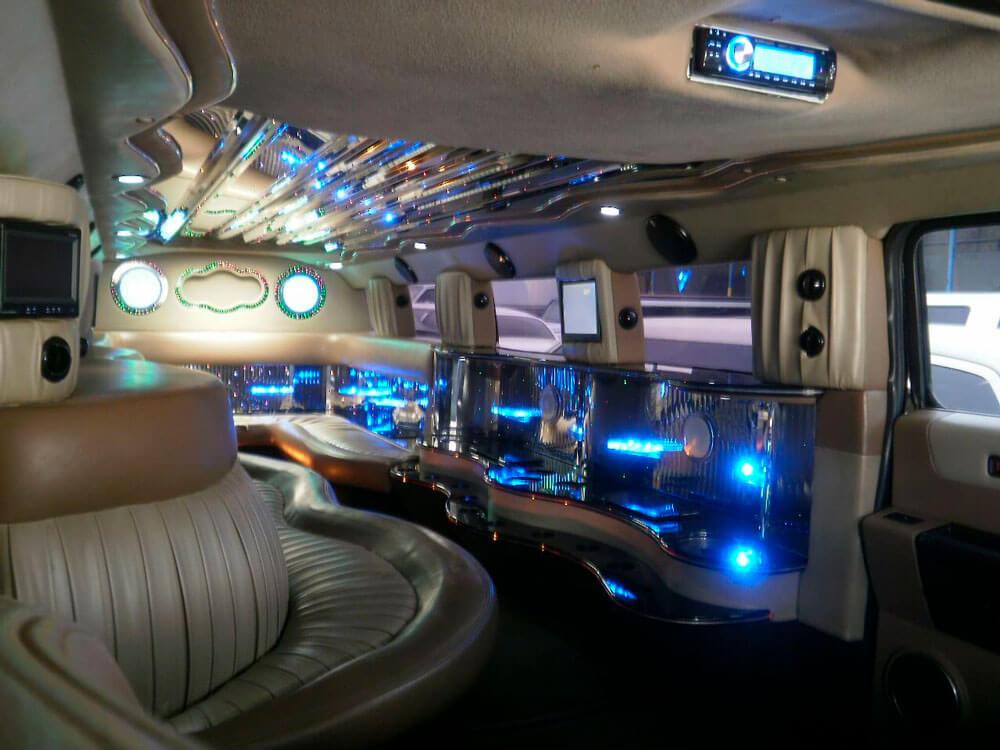 16 Passenger Stretch SUV Limo